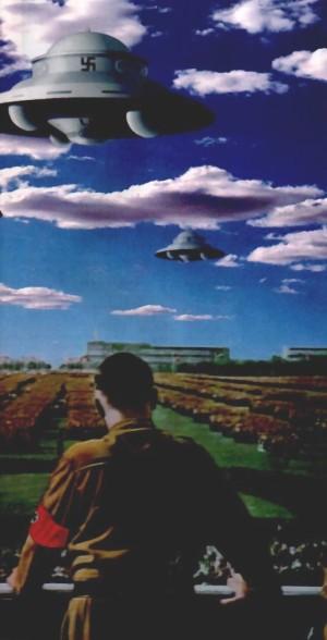 Hitler face aux ovnis nazis image extraite d'un article ufologique du journal idoine Incroyable mais scientifique.