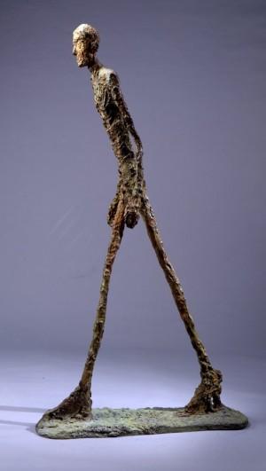 alberto-giacometti-l-homme-qui-marche-photographies-sculptures-tableaux-oeuvres-art-images-prix-de-vente-record-plus-chers-cheres-millions-classement-top-liste-prix-eleves