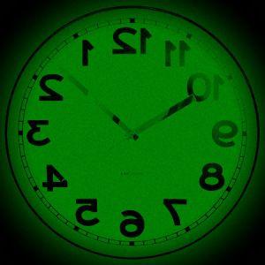 Horloge reactionnaire