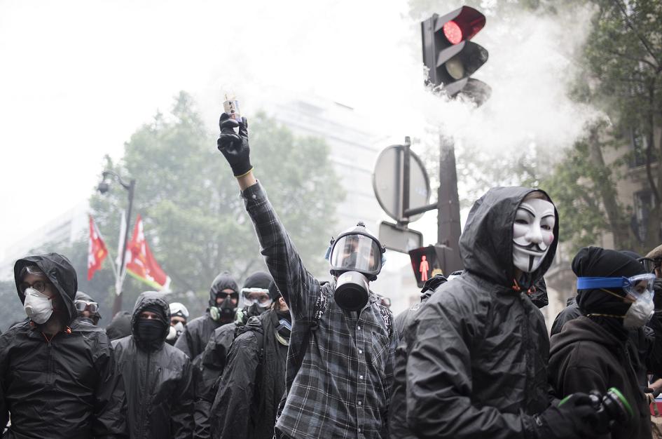 Les Syndicats face à la violence militante