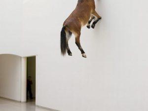 cheval sans tete art